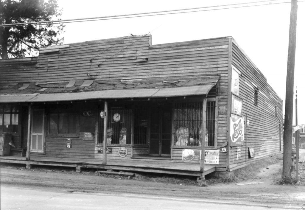 C1:162  Hamblin Studio Photograph Collection.  Market - exterior view, January 25, 1951  (vdlp_suffolk_ng0153a)