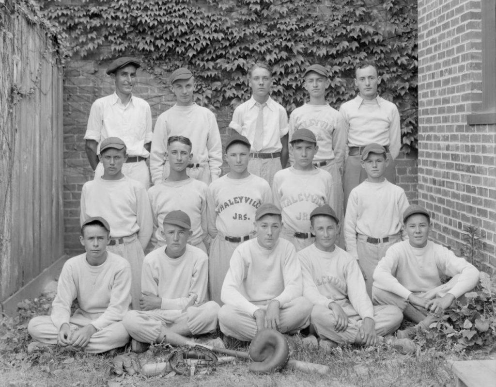 C1:162  Hamblin Studio Photograph Collection.  Whaleyville High School baseball team  (vdlp_suffolk_ng0285)
