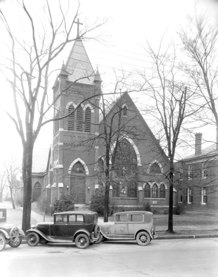 C1:162  Hamblin Studio Photograph Collection.   Saint Paul's Episcopal Church  (vdlp_suffolk_ng0300)