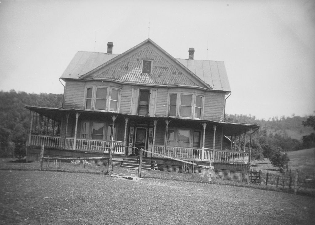 C1:160  Virginia Historical Inventory.  Unidentified house, Greensville County, VA