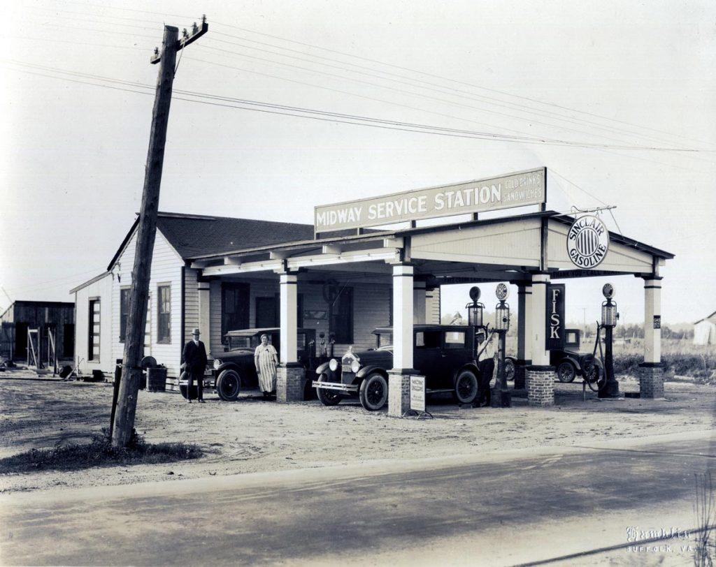 C1:163  Hamblin Studio Service Station Photograph Collection